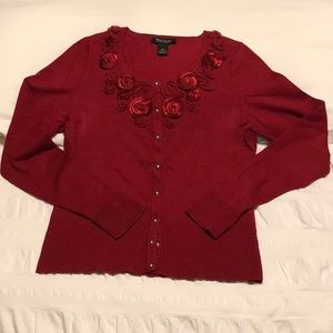 Cardigan with fabric flowers